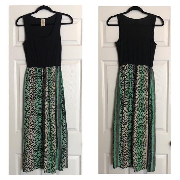 Faded Glory Dresses & Skirts - Green Animal Print Scoop Neck Tank Top Maxi Dress